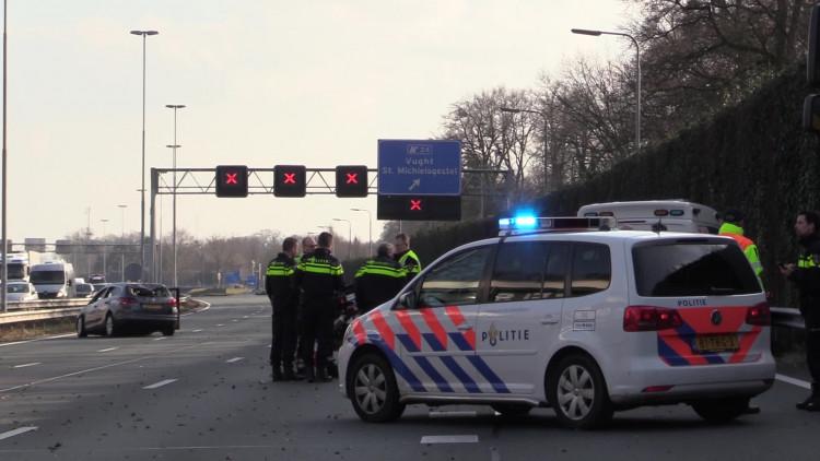 Ongeluk met meerdere auto's op A2 bij Vught