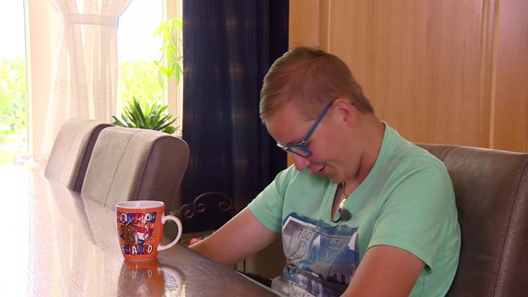 Rens overwint twee hersentumoren en slaagt voor vmbo-examen
