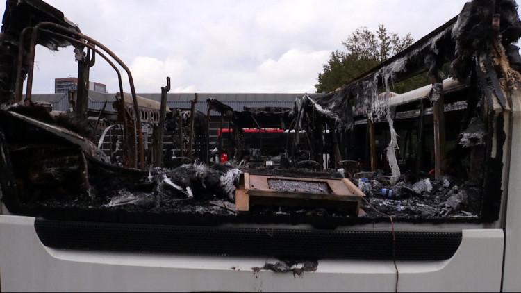 Berry zou Arriva-bussen in brand hebben gestoken: justitie eist vier jaar cel