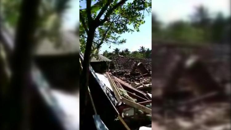 Bizarre beelden van de schade na de aardbevingen in Lombok